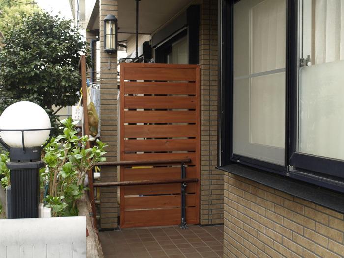 おしゃれ カワイイ ドックサロンの看板(外観)デザイン-10 木製の衝立